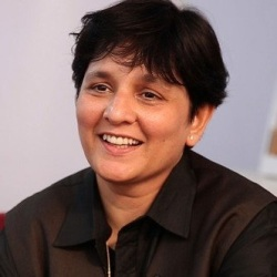 Falguni Pathak Biography, Age, Height, Weight, Boyfriend, Family, Wiki & More