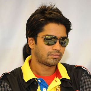 Allari Naresh Biography, Age, Height, Weight, Family, Caste, Wiki & More