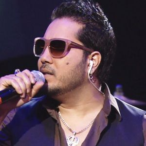 Mika Singh Biography, Age, Height, Weight, Girlfriend, Family, Wiki & More
