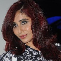 Neha Bhasin Biography, Age, Husband, Children, Family, Caste, Wiki & More