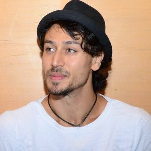 Tiger Shroff Biography, Age, Height, Weight, Girlfriend, Family, Wiki & More