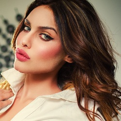 Gizele Thakral Biography, Age, Height, Weight, Family, Caste, Wiki & More