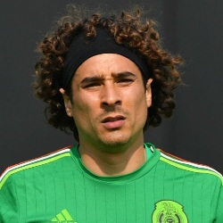 Guillermo Ochoa Biography, Age, Height, Weight, Family, Wiki & More