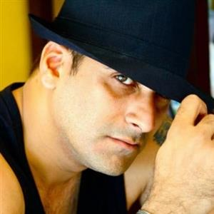 Shamoon Abbasi Biography, Age, Height, Weight, Family, Wiki & More
