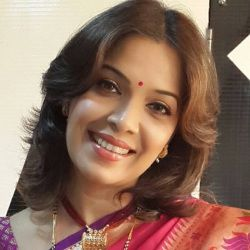 Shilpa Tulaskar Biography, Age, Height, Weight, Family, Caste, Wiki & More