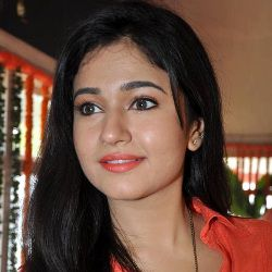 Poonam Bajwa Biography, Age, Height, Weight, Family, Caste, Wiki & More