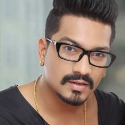 Haarsh Limbachiyaa Biography, Age, Wife, Children, Family, Caste, Wiki & More