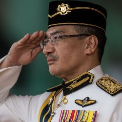 Hishammuddin Hussein Biography, Age, Height, Weight, Family, Wiki & More