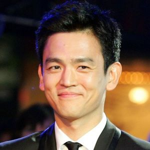 John Cho Biography, Age, Height, Weight, Family, Wiki & More