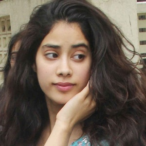Janhvi Kapoor (Jhanvi) Biography, Age, Height, Weight, Boyfriend, Family, Wiki & More