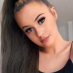 Holly H (TikTok Star) Biography, Age, Height, Weight, Boyfriend, Family, Wiki & More