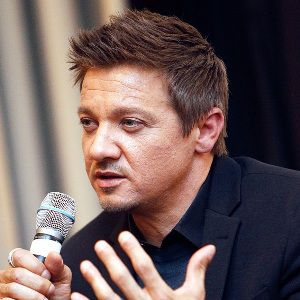 Jeremy Renner Biography, Age, Height, Weight, Family, Wiki & More