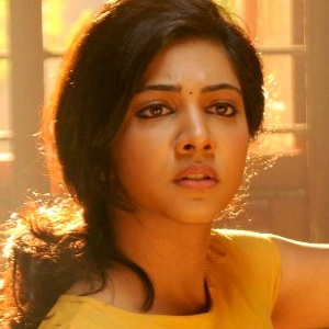 Madonna Sebastian Biography, Age, Height, Weight, Boyfriend, Family, Wiki & More