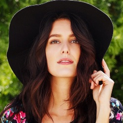 Isabelle Kaif Biography, Age, Height, Weight, Boyfriend, Family, Wiki & More