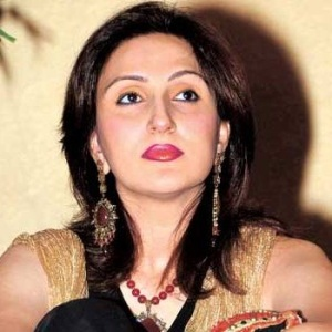 Juhi Babbar Biography, Age, Husband, Children, Family, Caste, Wiki & More