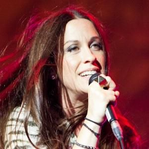 Alanis Morissette Biography, Age, Height, Weight, Family, Wiki & More