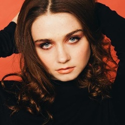 Jessica Barden Biography, Age, Height, Weight, Boyfriend, Family, Wiki & More