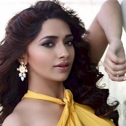 Jiya Shankar Biography, Age, Height, Weight, Family, Facts, Caste, Wiki & More