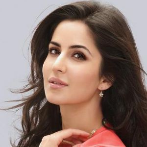 Katrina Kaif Wiki, Age, Height, Boyfriend, Siblings, Family & More