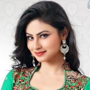 Mouni Roy Biography, Age, Height, Weight, Boyfriend, Family, Wiki & More