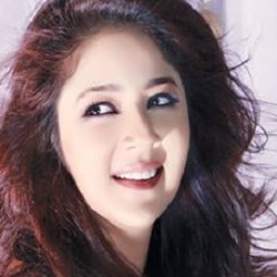 Keerti Gaekwad Kelkar Biography, Age, Husband, Children, Family, Caste, Wiki & More
