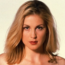 Kelly Rutherford Biography, Age, Height, Weight, Family, Wiki & More