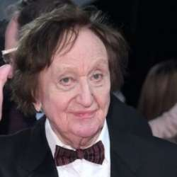 Ken Dodd Biography, Age, Death, Height, Weight, Family, Wiki & More