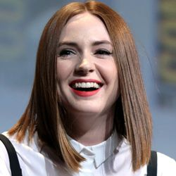 Karen Gillan Biography, Age, Height, Weight, Family, Wiki & More