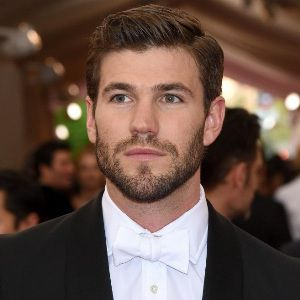 Austin Stowell Biography, Age, Height, Weight, Family, Wiki & More