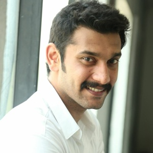 Arulnithi Biography, Age, Height, Weight, Family, Caste, Wiki & More