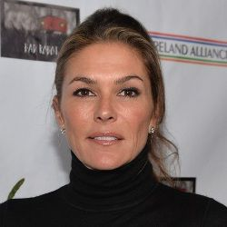 Paige Turco Biography, Age, Height, Weight, Husband, Family, Wiki & More