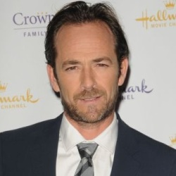 Luke Perry Biography, Age, Death, Wife, Children, Family, Wiki & More