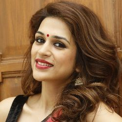 Shraddha Das Biography, Age, Height, Weight, Boyfriend, Family, Wiki & More