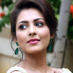 Madhu Shalini Biography, Age, Height, Weight, Boyfriend, Family, Facts, Caste, Wiki & More