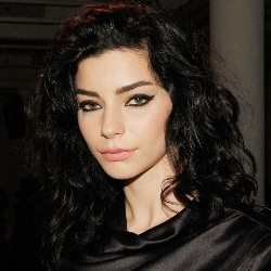 Merve Bolugur Biography, Age, Height, Weight, Family, Wiki & More