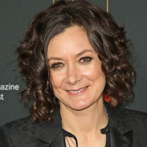 Sara Gilbert Biography, Age, Height, Weight, Family, Wiki & More