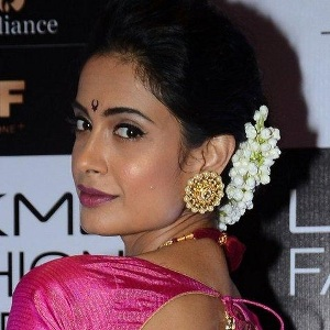 Sarah-Jane Dias Biography, Age, Height, Weight, Family, Wiki & More