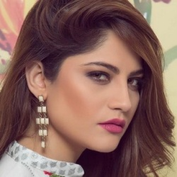 Neelam Muneer Biography, Age, Height, Weight, Boyfriend, Family, Wiki & More
