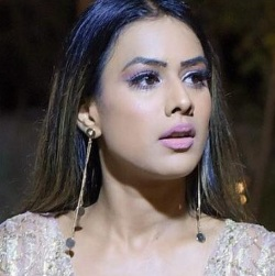 Nia Sharma Biography, Age, Height, Weight, Boyfriend, Family, Wiki & More