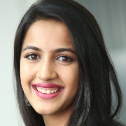 Niharika Konidela Biography, Age, Height, Weight, Family, Caste, Wiki & More