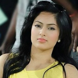 Nikesha Patel Biography, Age, Height, Weight, Boyfriend, Family, Facts, Caste, Wiki & More