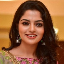 Nikhila Vimal Biography, Age, Height, Weight, Family, Wiki & More