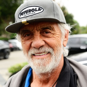 Tommy Chong Biography, Age, Height, Weight, Family, Wiki & More