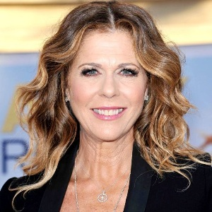 Rita Wilson Biography, Age, Height, Weight, Family, Wiki & More