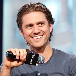 Aaron Tveit Biography, Age, Height, Weight, Family, Wiki & More