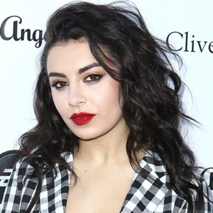 Charli XCX Biography, Age, Height, Weight, Affair, Family, Facts, Wiki & More