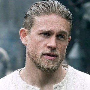 Charlie Hunnam Biography, Age, Height, Weight, Family, Wiki & More