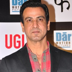 Ronit Roy Biography, Age, Wife, Children, Family, Caste, Wiki & More