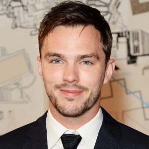 Nicholas Hoult Biography, Age, Height, Weight, Girlfriend, Family, Wiki & More