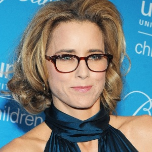 Tea Leoni Biography, Age, Height, Weight, Family, Wiki & More